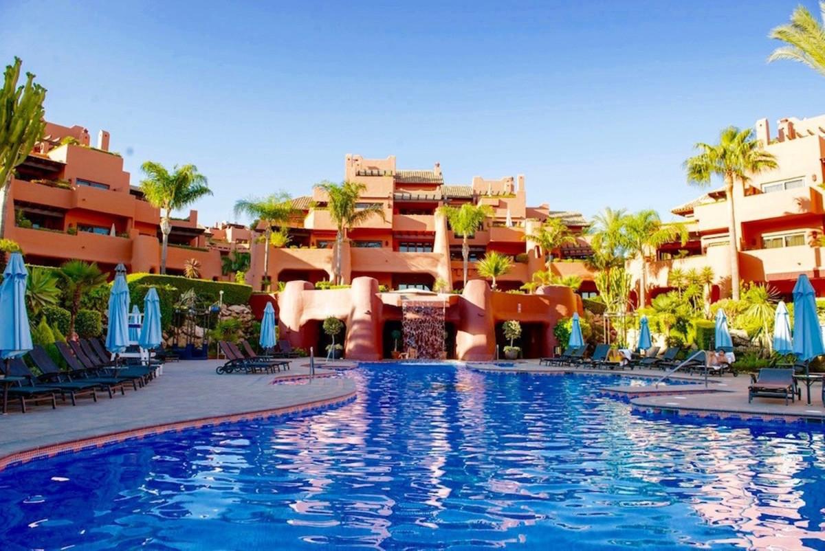 Marbella Banus Apartamento Planta Baja en venta en New Golden Mile – R3454429