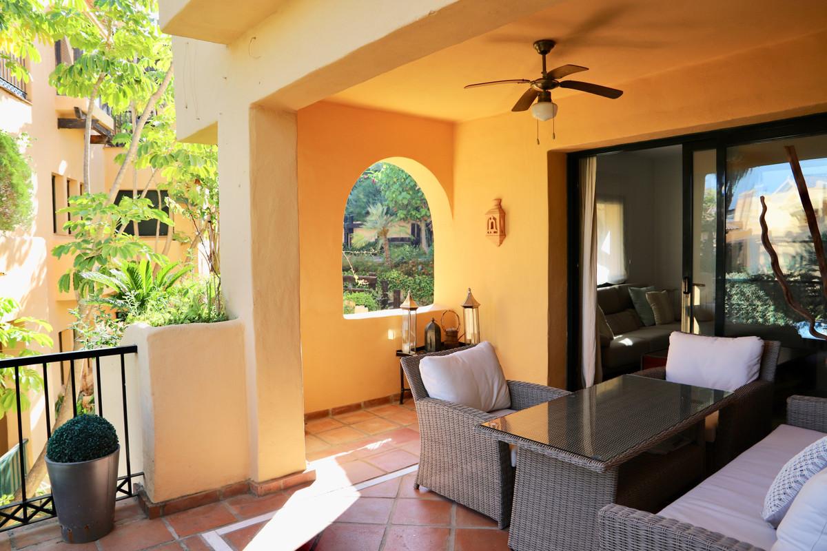 Apartamento Planta Media en Venta en Atalaya – R3483469