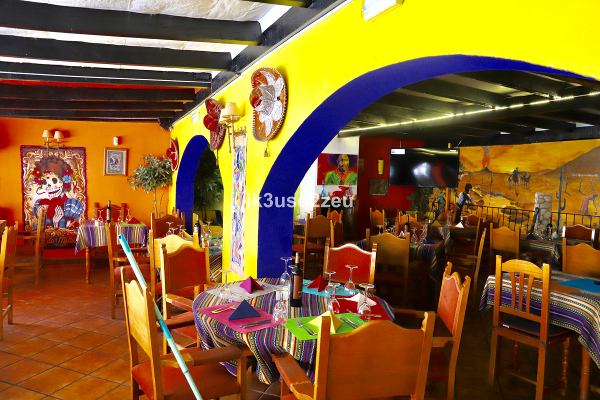 Restaurant for sale in Costalita R3459958