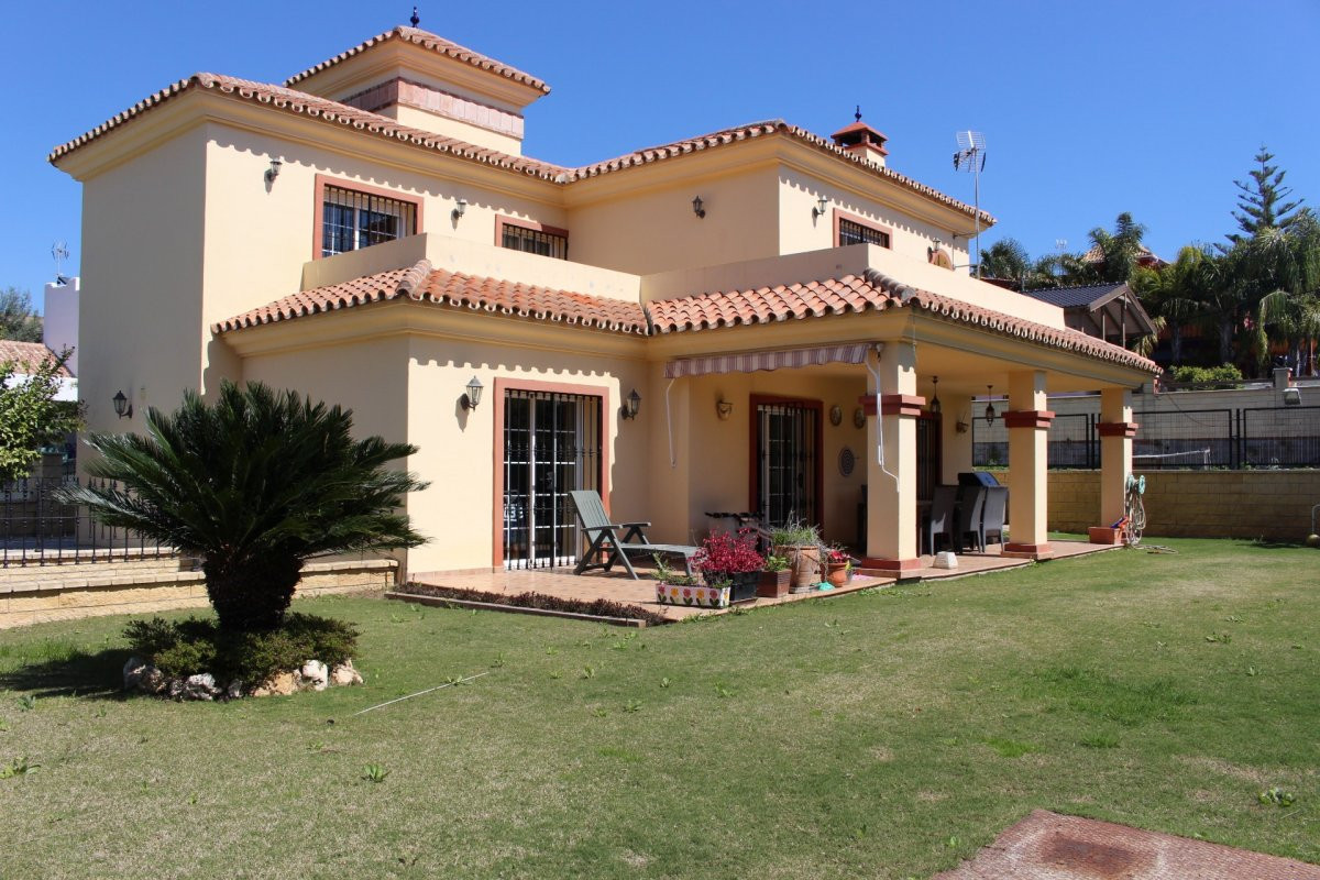 Magnificent house for sale in Marbella. Located in a quiet area of ??Marbella, easily communicates w, Spain
