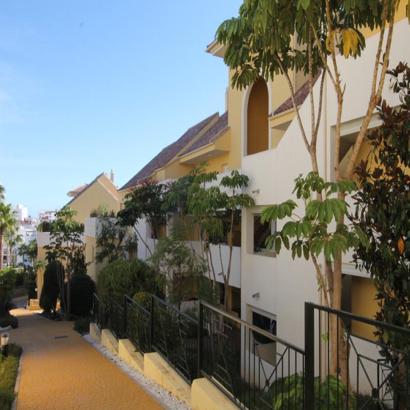 Apartments for sale Alcazaba Beach 1