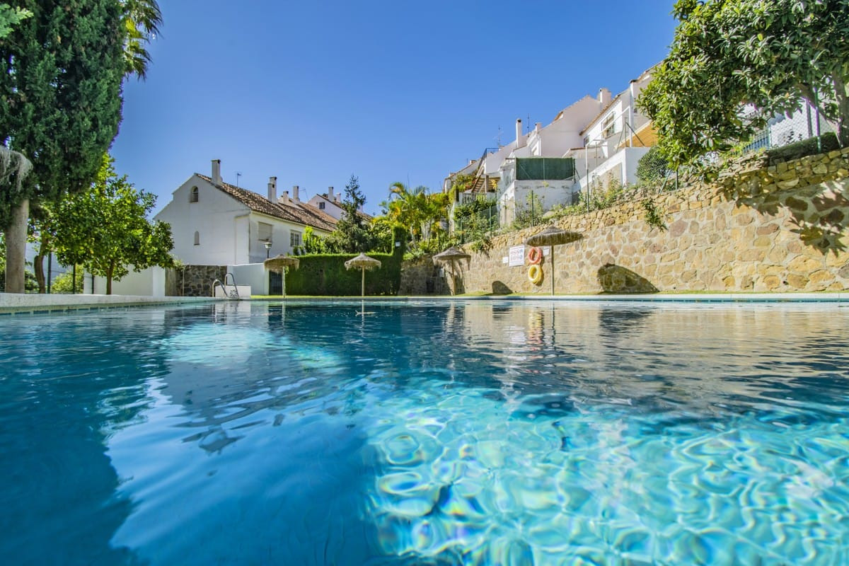 Family home for sale in the golden mile Marbella, The community is equipped with a beautiful private, Spain