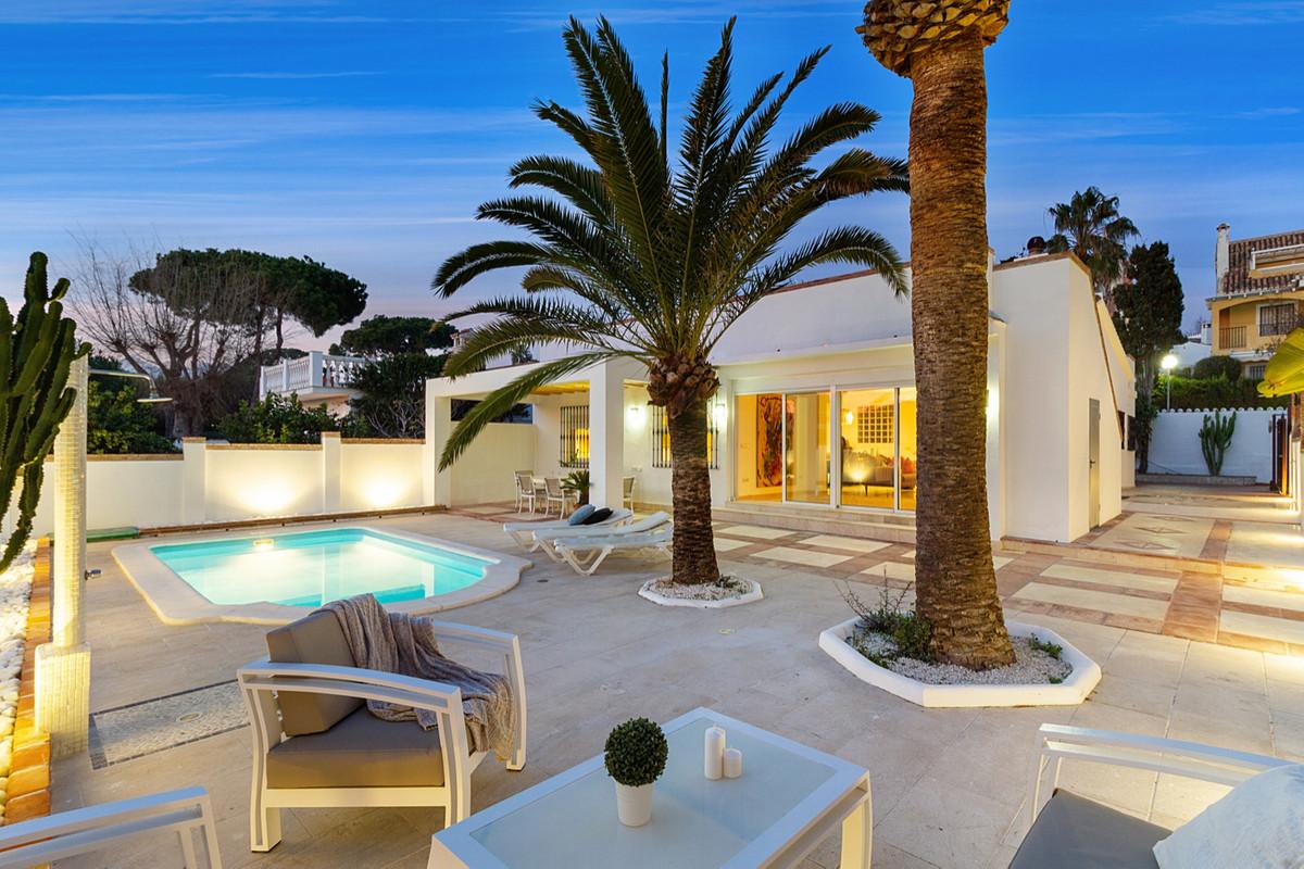 Marbella Banus Villa – Chalet en Venta en Costabella – R3604418