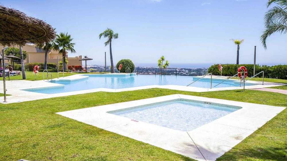 Fantastic middle-floor apartment in a lovely gated community in Benahavis. Super peaceful and surrou,Spain