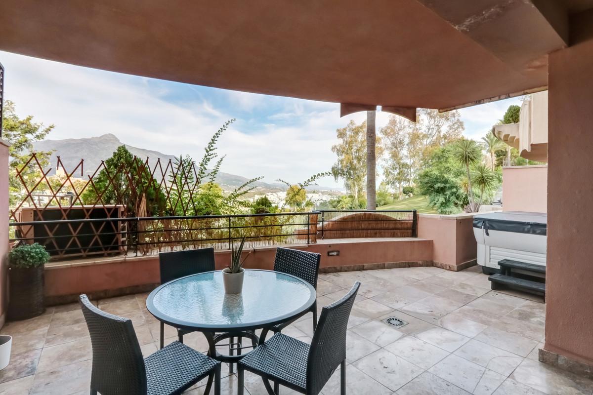 Marbella Banus Apartamento Planta Media en Venta en Nueva Andalucía – R3733696