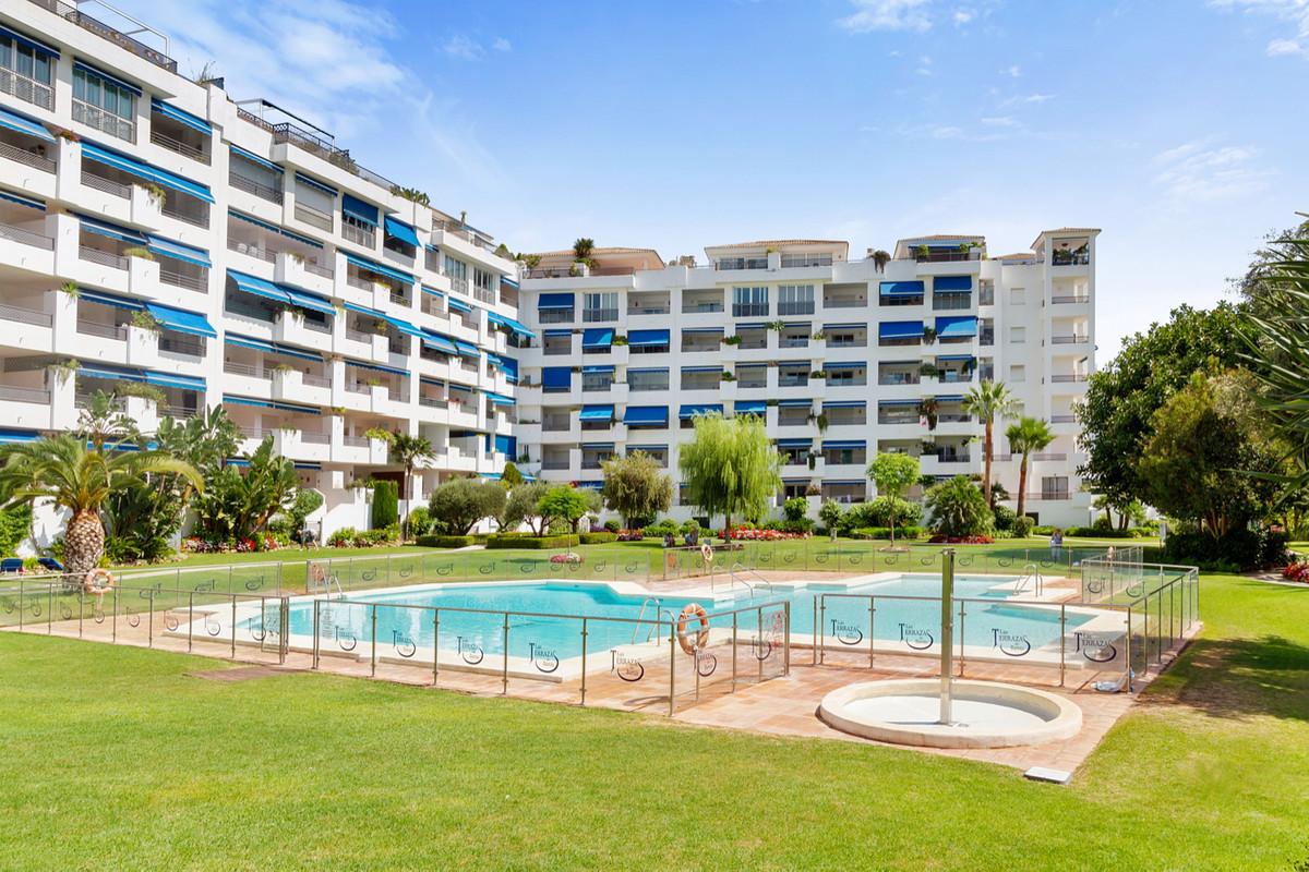 Marbella Banus Apartamento en Venta en Puerto Banús – R3513211