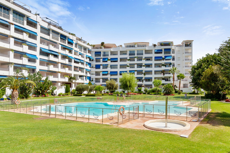 Apartments for sale Alcazaba Beach 17
