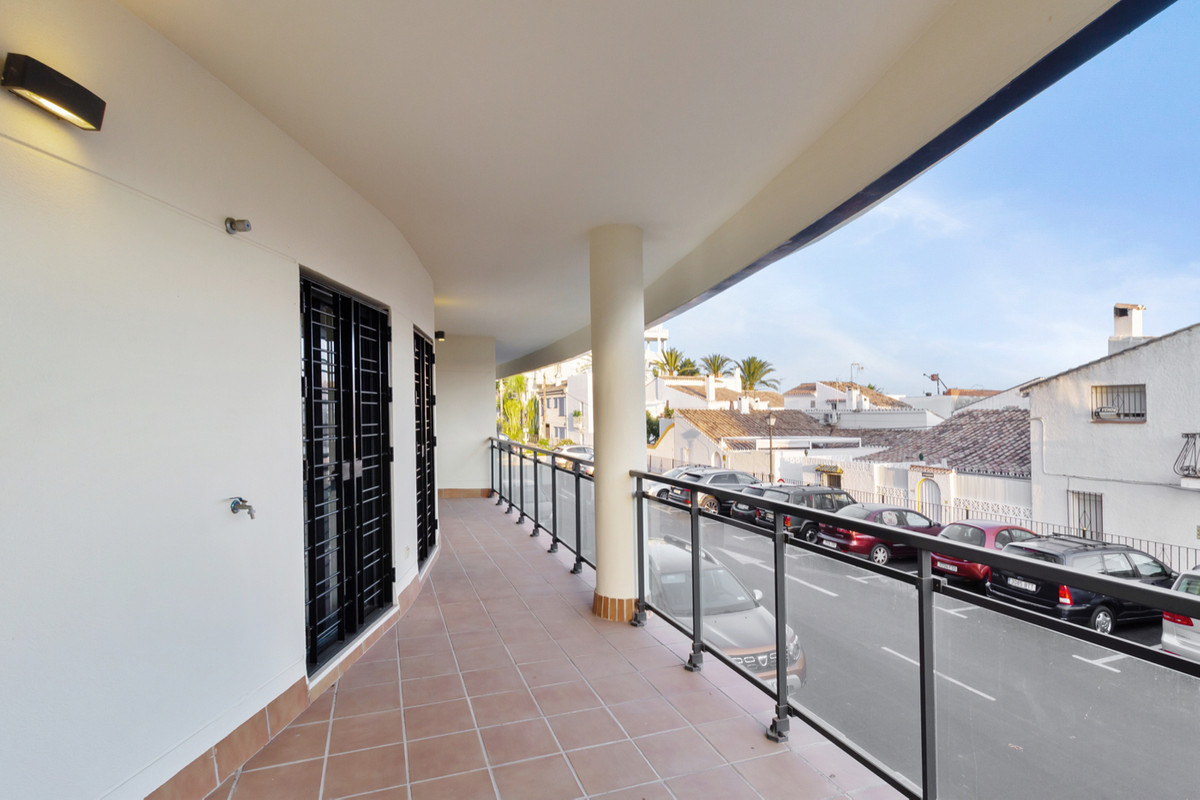 3 Bedroom Apartment For Sale, New Golden Mile