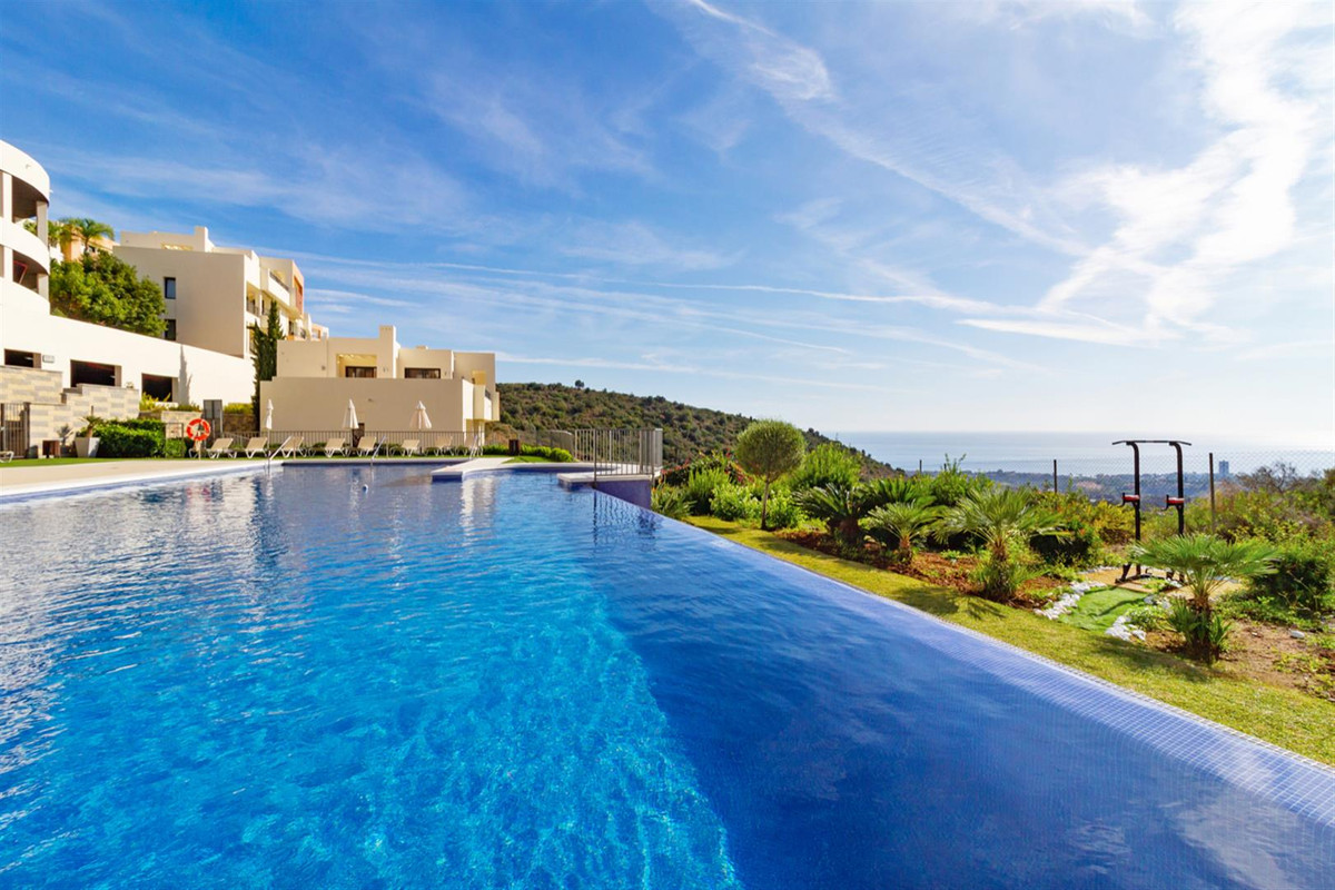 Apartment  Middle Floor for sale  and for rent  in Altos de los Monteros