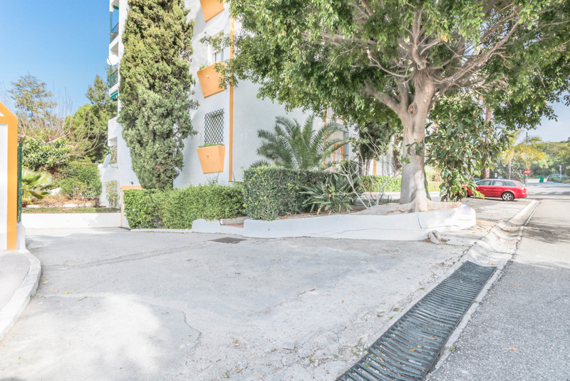 Parking Space in Artola for sale