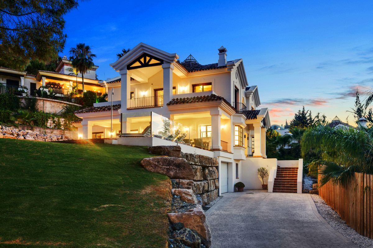 WELCOME TO VILLA SERENA, Beautiful Mediterranean luxury home located in the heart of the Golf Valley,Spain
