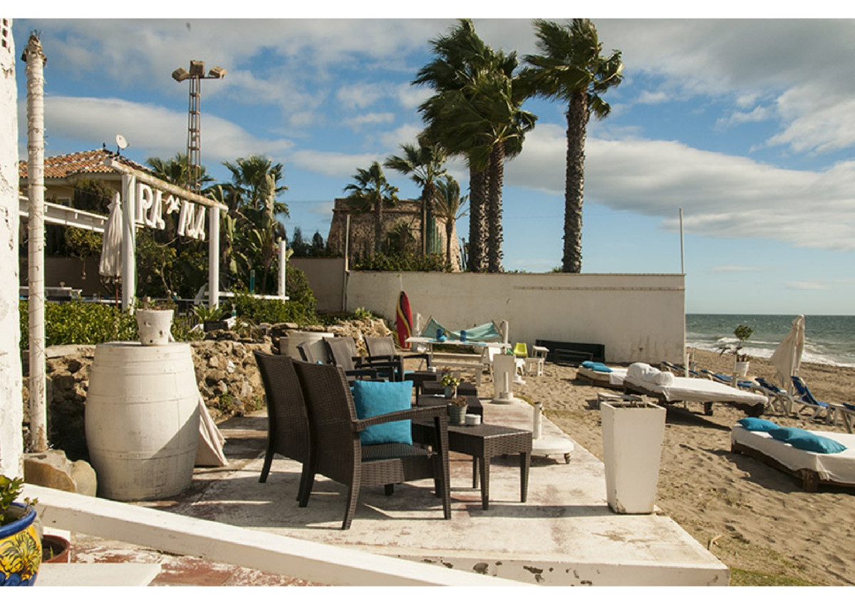 Restaurant / house for sale in Marbesa. BEACHFRONT! AMAZING VIEWS with its own beach access and beac, Spain