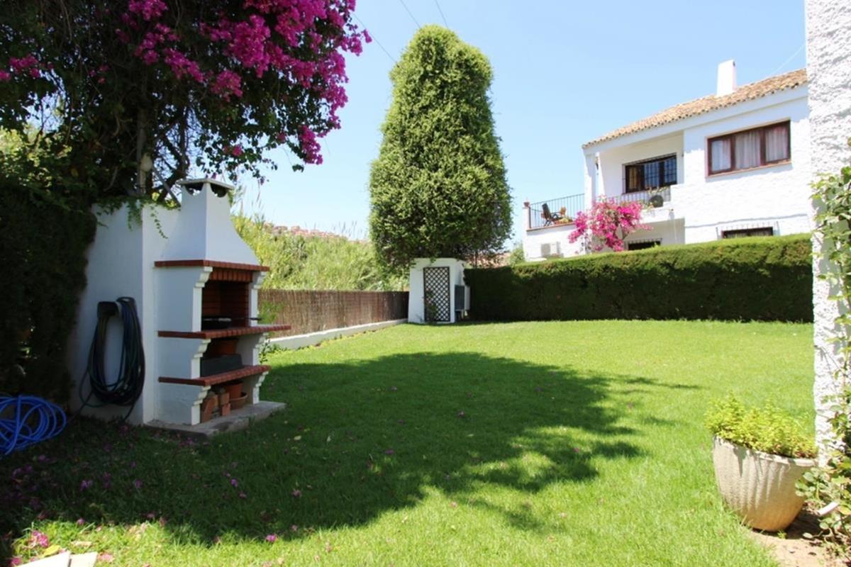 Villa  Detached for sale   in San Luis de Sabinillas
