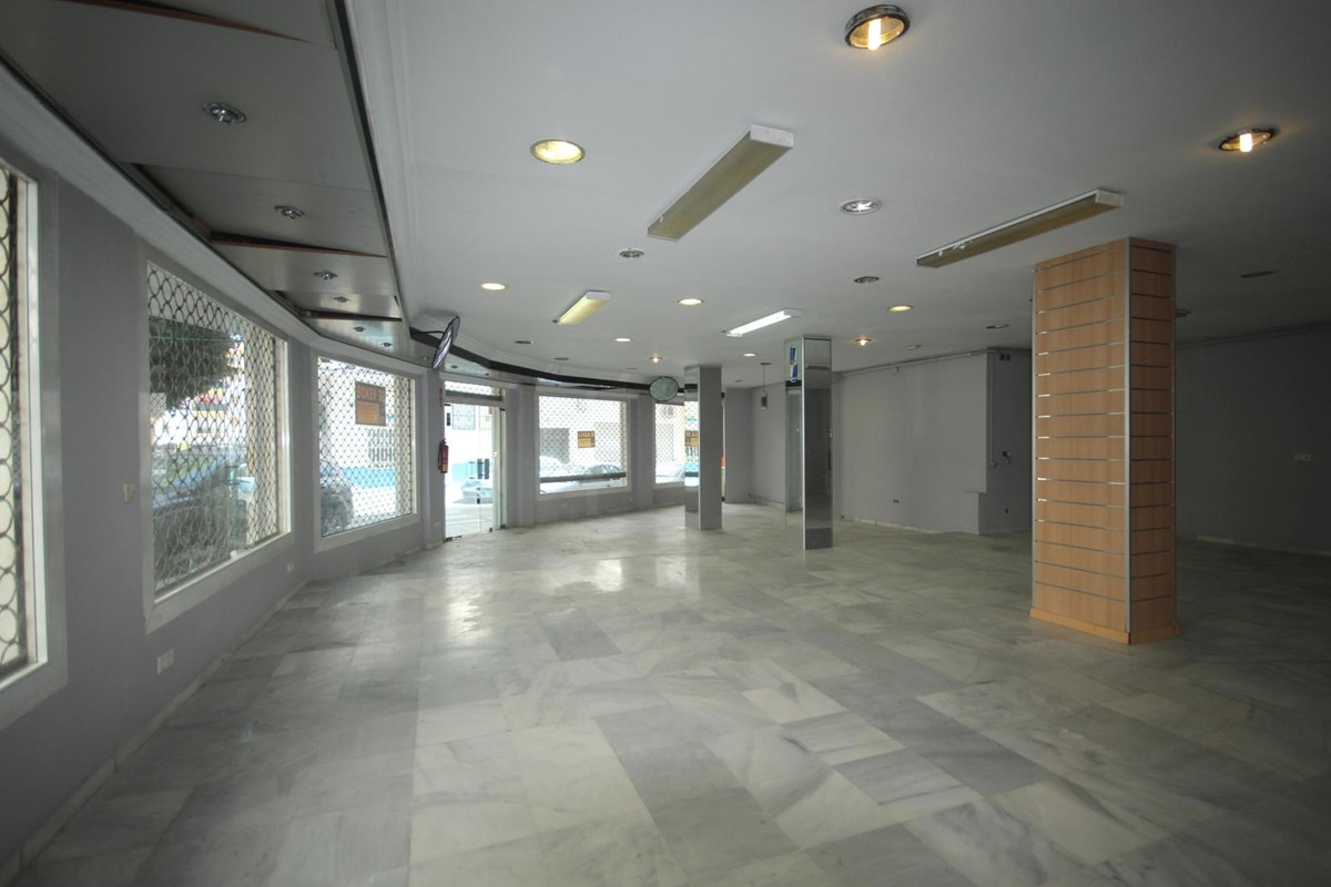 Business premises in downtown San Pedro de Alcantara  Commercial premises in completely open and bri,Spain
