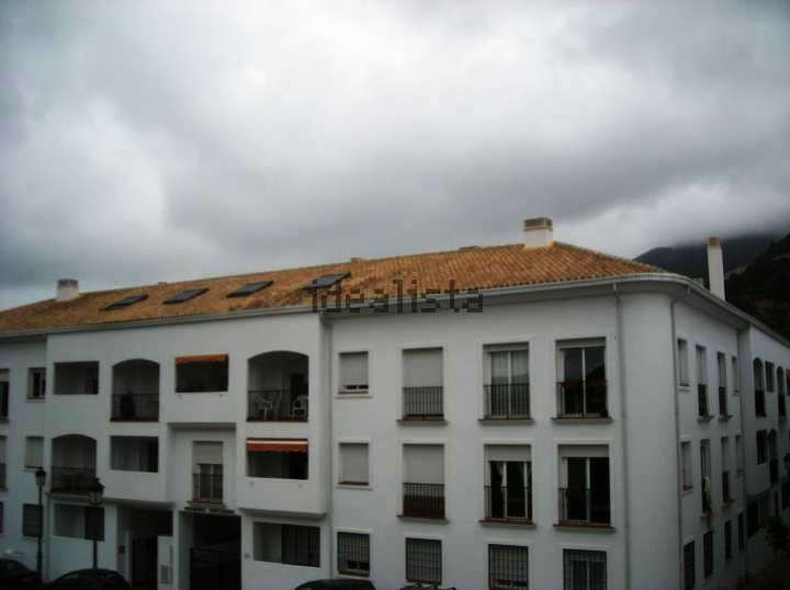 2 bedroom apartment in Ojen  Very bright and in very good condition, this apartment of 84 m2 is sold,Spain