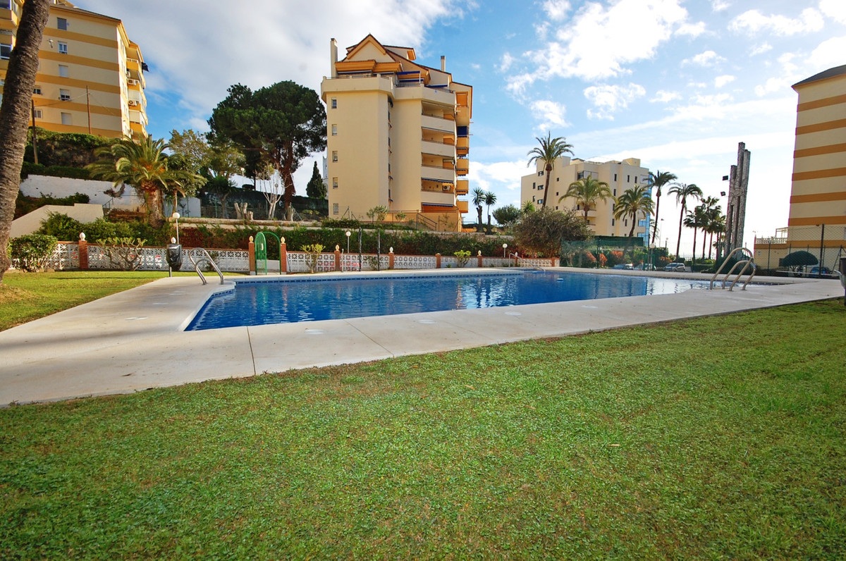 Middle Floor Apartment for sale in Benalmadena Costa
