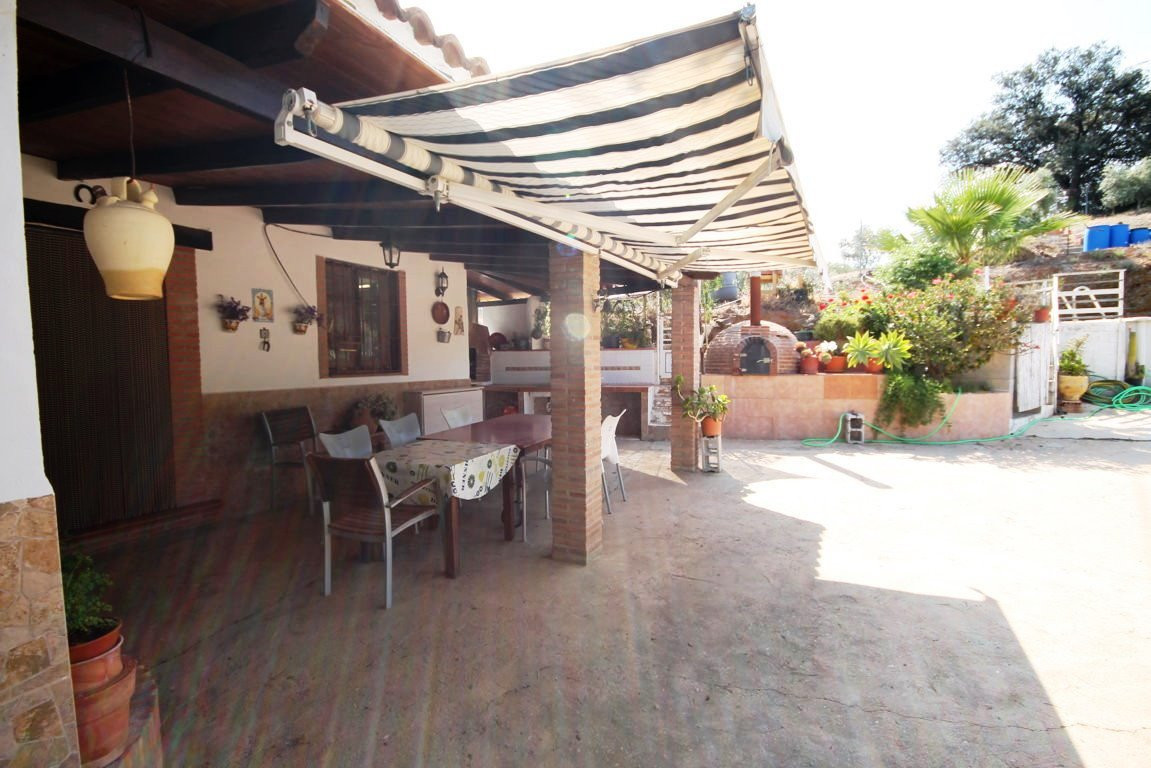 Finca - Cortijo, Alora, Costa del Sol. 3 Bedrooms, 1 Bathroom, Built 90 m², Terrace 25 m², Garden/Pl, Spain