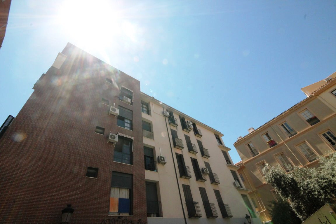 Middle Floor Apartment, Malaga Centro, Costa del Sol. 3 Bedrooms, 2 Bathrooms, Built 93 m².  Setting, Spain