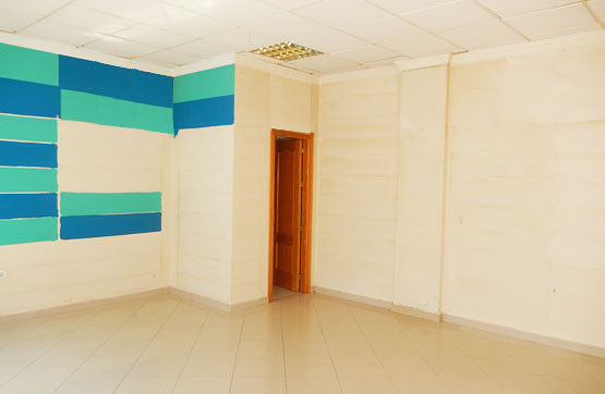 BANK OPPORTUNITY! LOCAL IN VELEZ - MALAGA ON THE STREET. Commercial premises with south orientation ,Spain