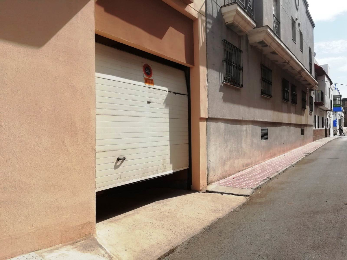 Tarifa, Cadiz, Private garage, Private Parking.  Garage of 48 m2 in street parallel to the main aven, Spain