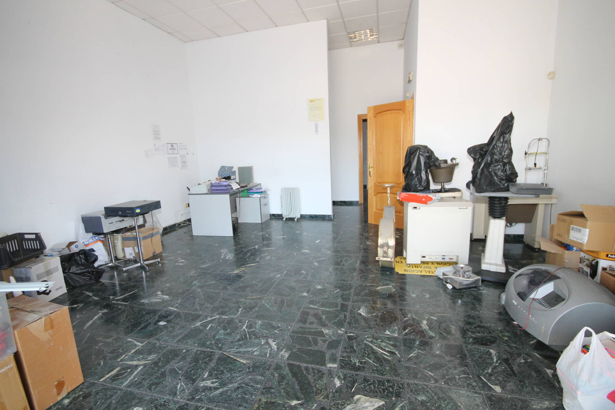 Cortijo Alto, Teatinos, Malaga, local  COMMERCIAL PREMISES FOR SALE AND RENT. Commercial premises av, Spain