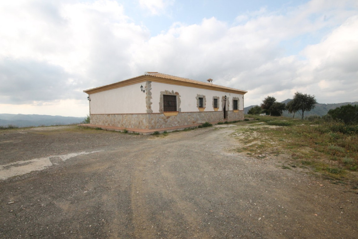 House in Almogía R3408124 42