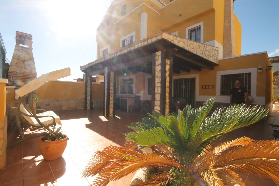 Velez _ Malaga, Lagos, East Malaga, Detached Villa  Do not miss this excellent opportunity next to t, Spain