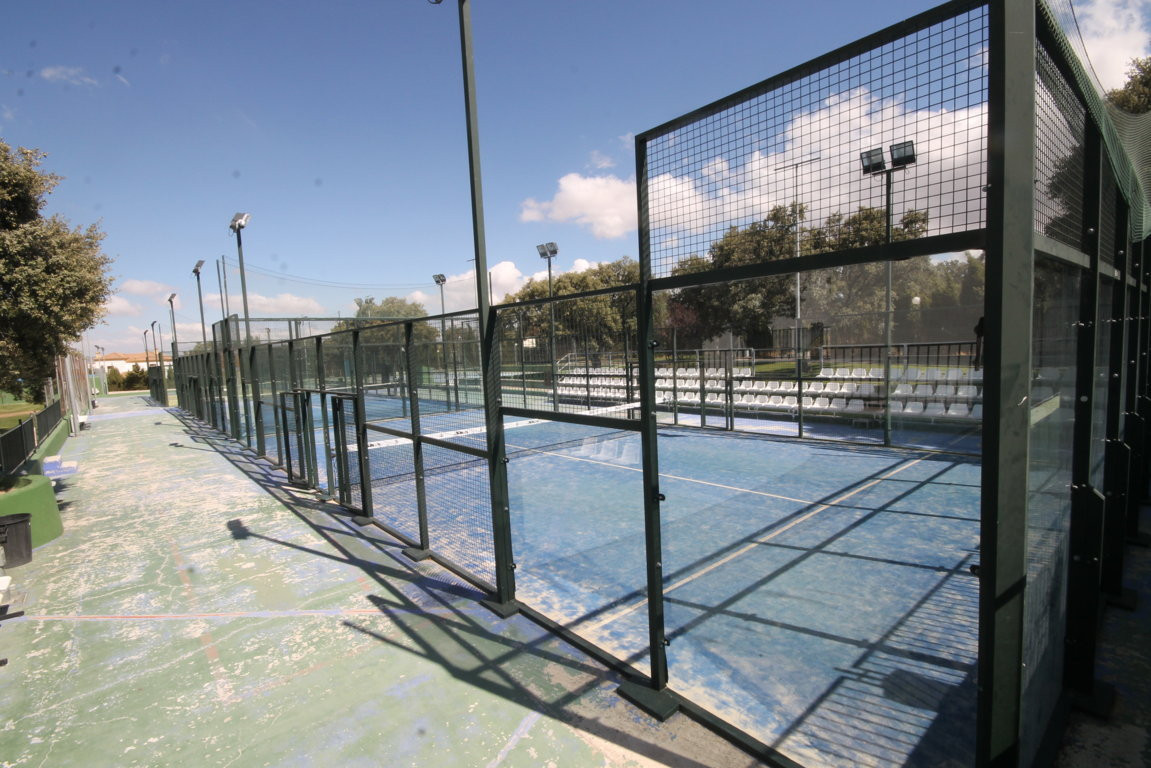 Padel Club in Ronda  This paddle club is a profitable business, it is has 150 members (subscription , Spain