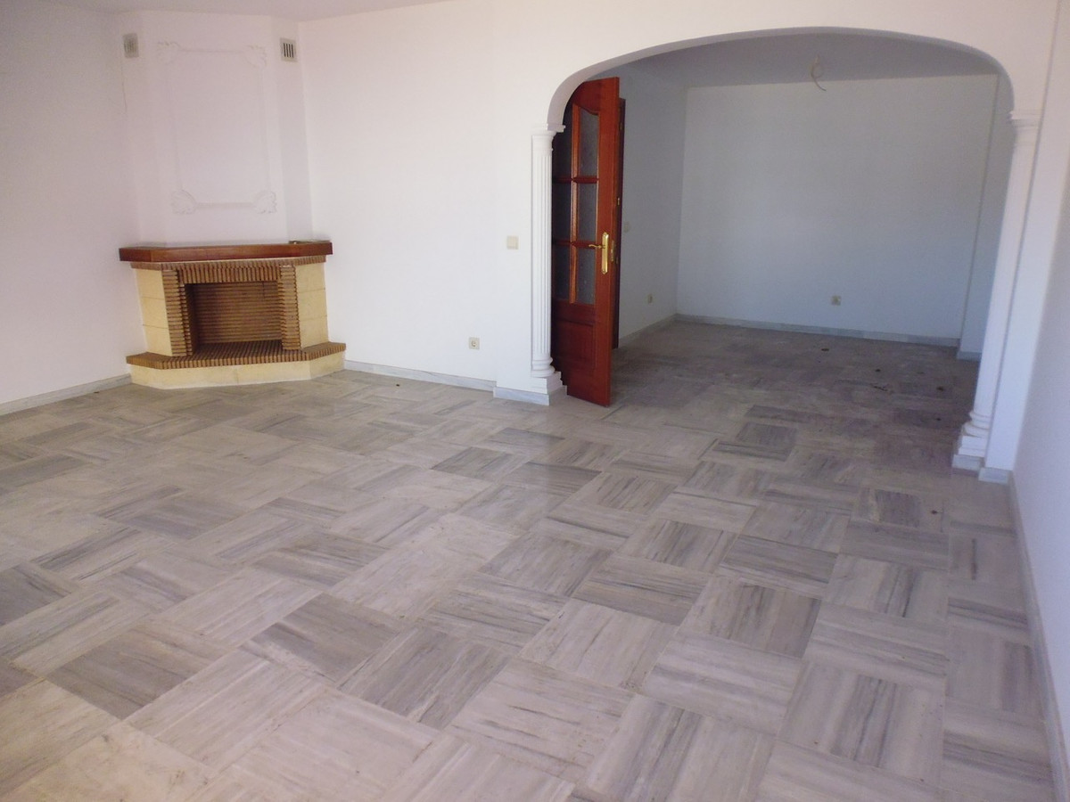 EXCELLENT OPPORTUNITY TO HAVE A GREAT HOUSE FOR A GREAT FAMILY OR FAMILY WITH FEW MEMBERS BUT WITH A,Spain