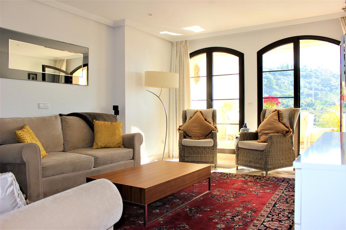 Marbella Banus Apartamento Planta Media en Venta en Los Arqueros – R3586360