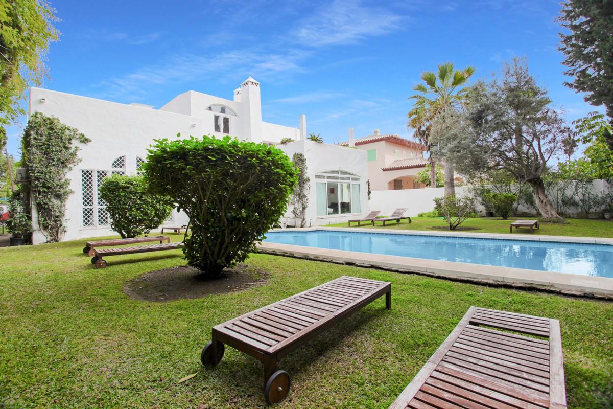 Villa Detached Cortijo Blanco Málaga Costa del Sol R3747970 4