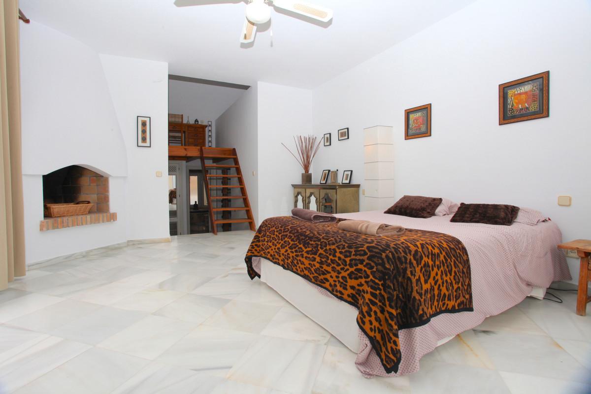Villa Detached Cortijo Blanco Málaga Costa del Sol R3747970 6