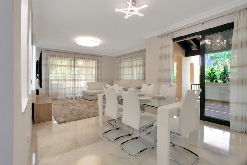 Marbella Banus Apartamento Planta Baja en venta en Atalaya – R3661439