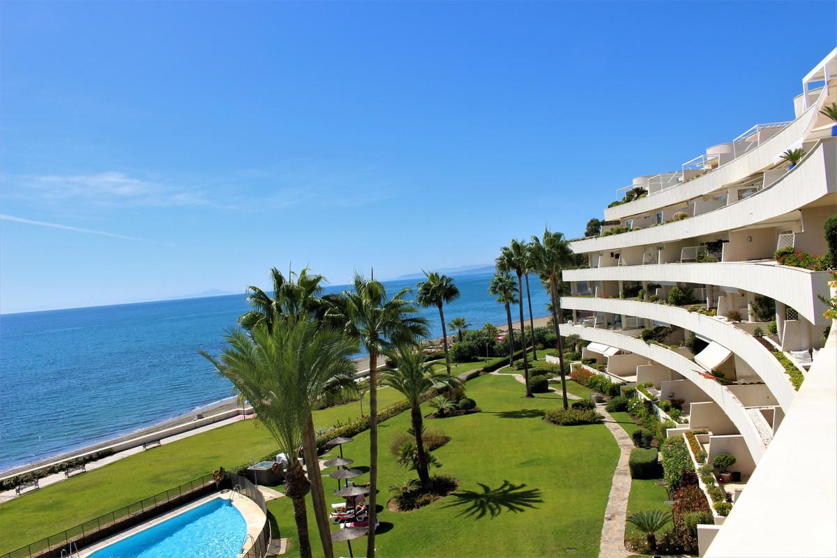 Marbella Banus Apartamento en Venta en New Golden Mile – R3511810