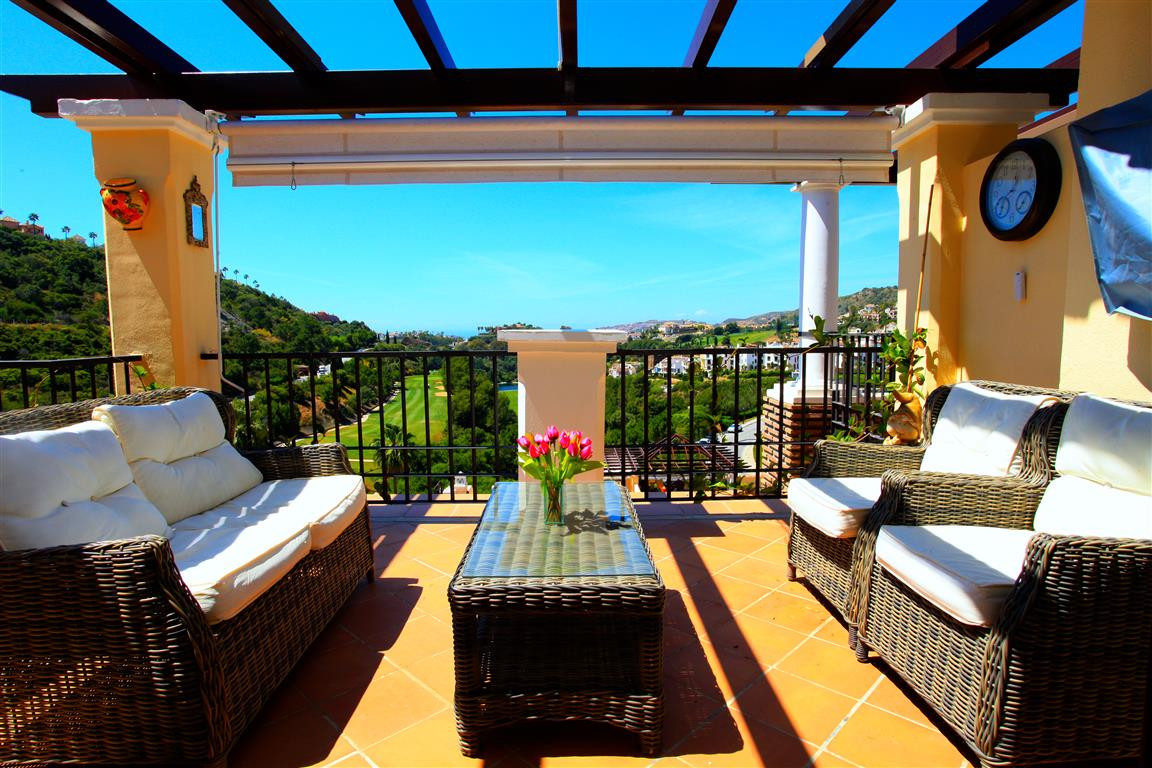 A stunning south facing 3 bed penthouse in Las Jacarandas with amazing golf, sea and Gibraltar views, Spain