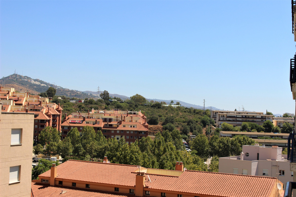 Lovely, cosy, three bedroom apartment in the heart of Marbella. Walking distance to shops, amenities, Spain
