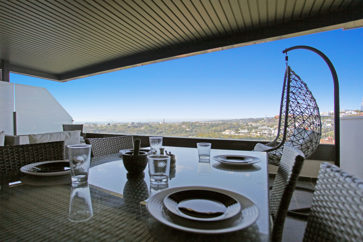 A beautiful elevated ground floor apartment in one of the best blocks in Hoyo 19.    The gated compl,Spain