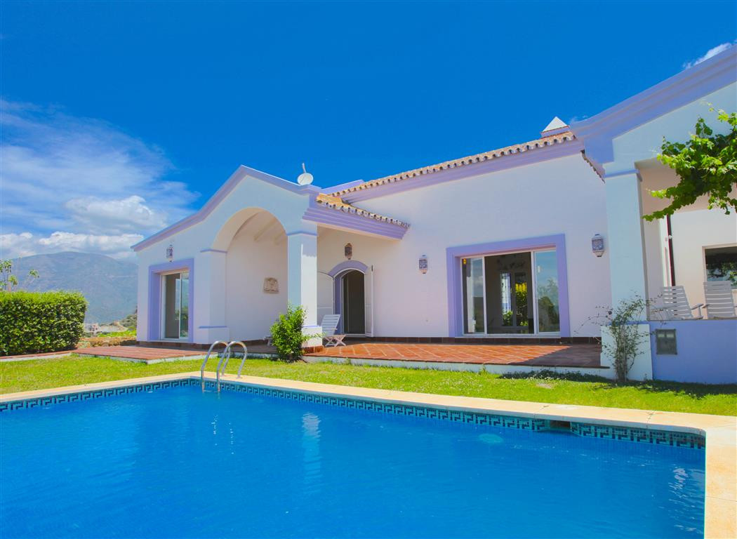 4 bedroom villa for sale istan
