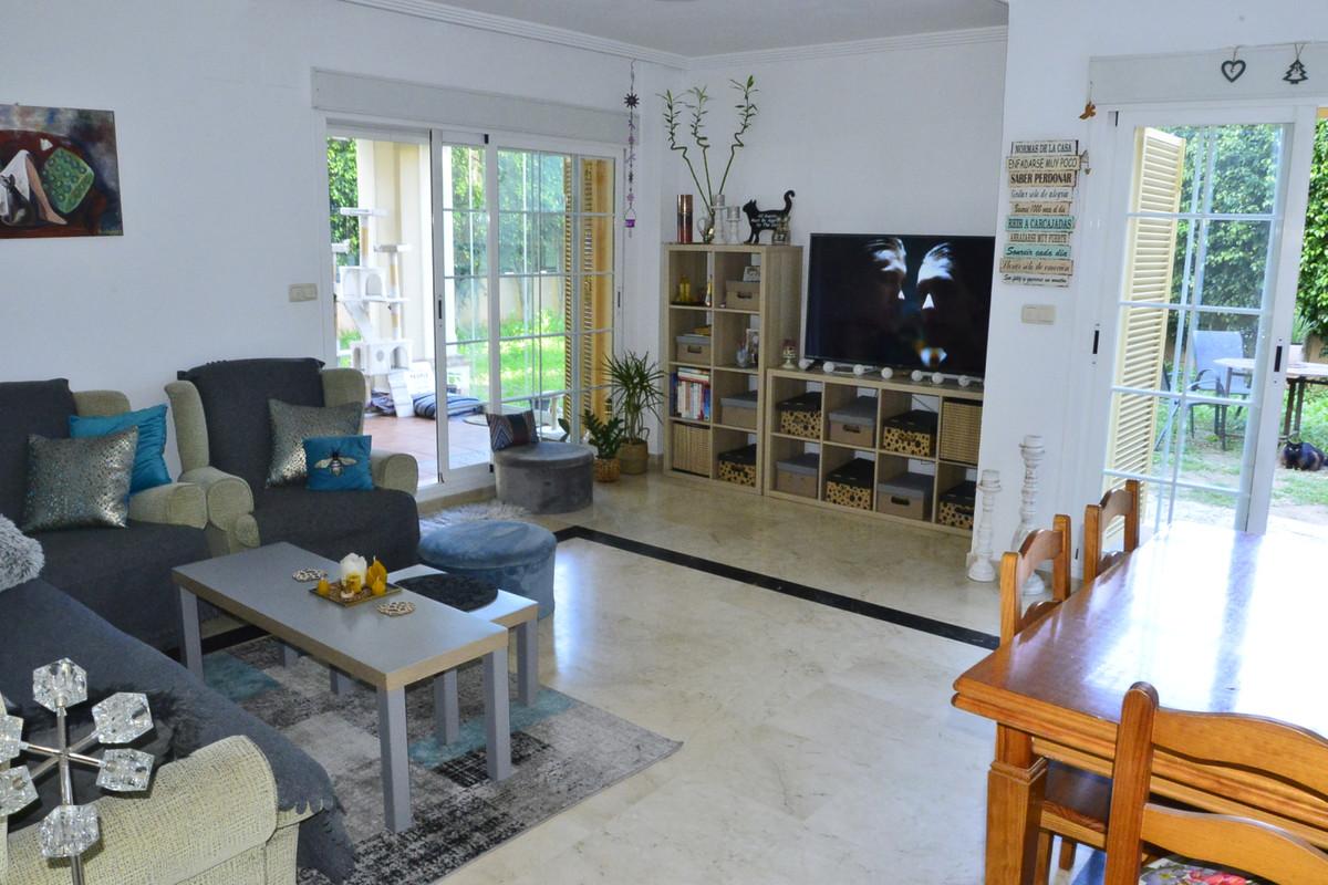 Marbella Banus Apartamento Planta Baja en Venta en Marbella – R3614927