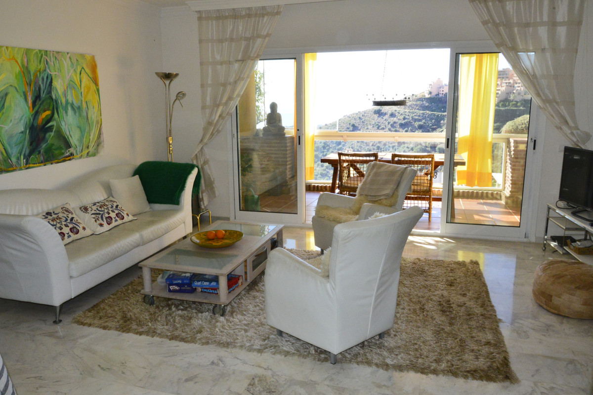 Marbella Banus Apartamento Planta Media en venta en Calahonda – R3551818