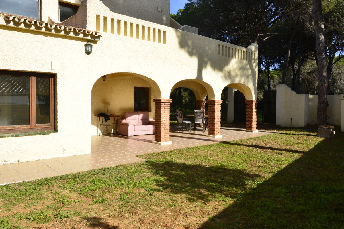 PRICE REDUCTION! An excellent investment for a modernisation or renovation project. The house is loc,Spain