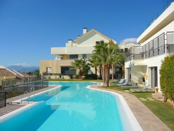 FRONT LINE, CORNER PENTHOUSE IN LOS MONTEROS HILL CLUB  We are delighted to present probably the bes,Spain