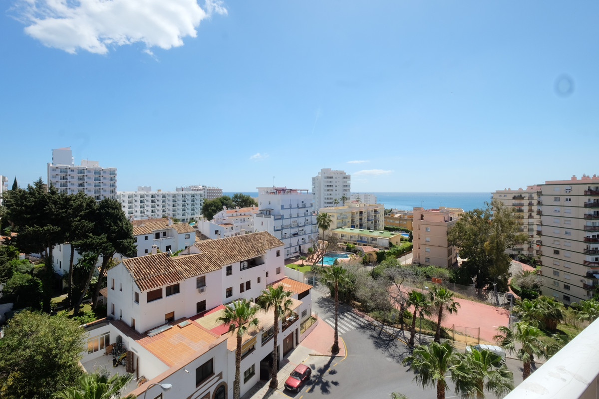 Recently renovated 5th floor studio in Jupiter, the property beautiful views towards the sea, the to,Spain