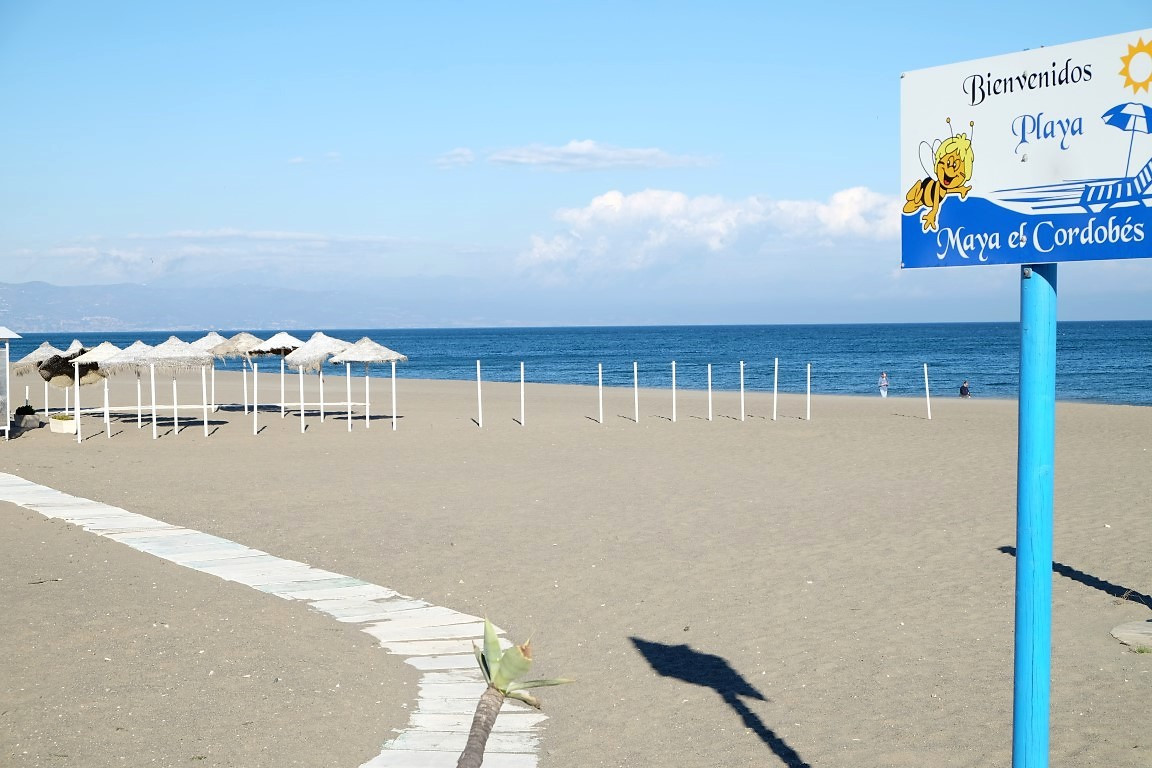 2 bedroom apartment for sale, 50 meters from the beach, close to amenities, ideal home or investment,Spain