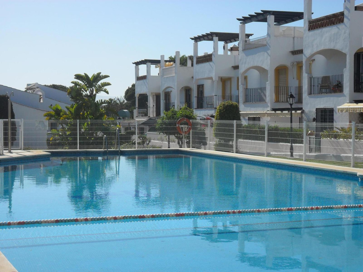 Semi-Detached House, Costabella, Costa del Sol. 3 Bedrooms, 3 Bathrooms, Built 122 m², Terrace 80 m², Spain