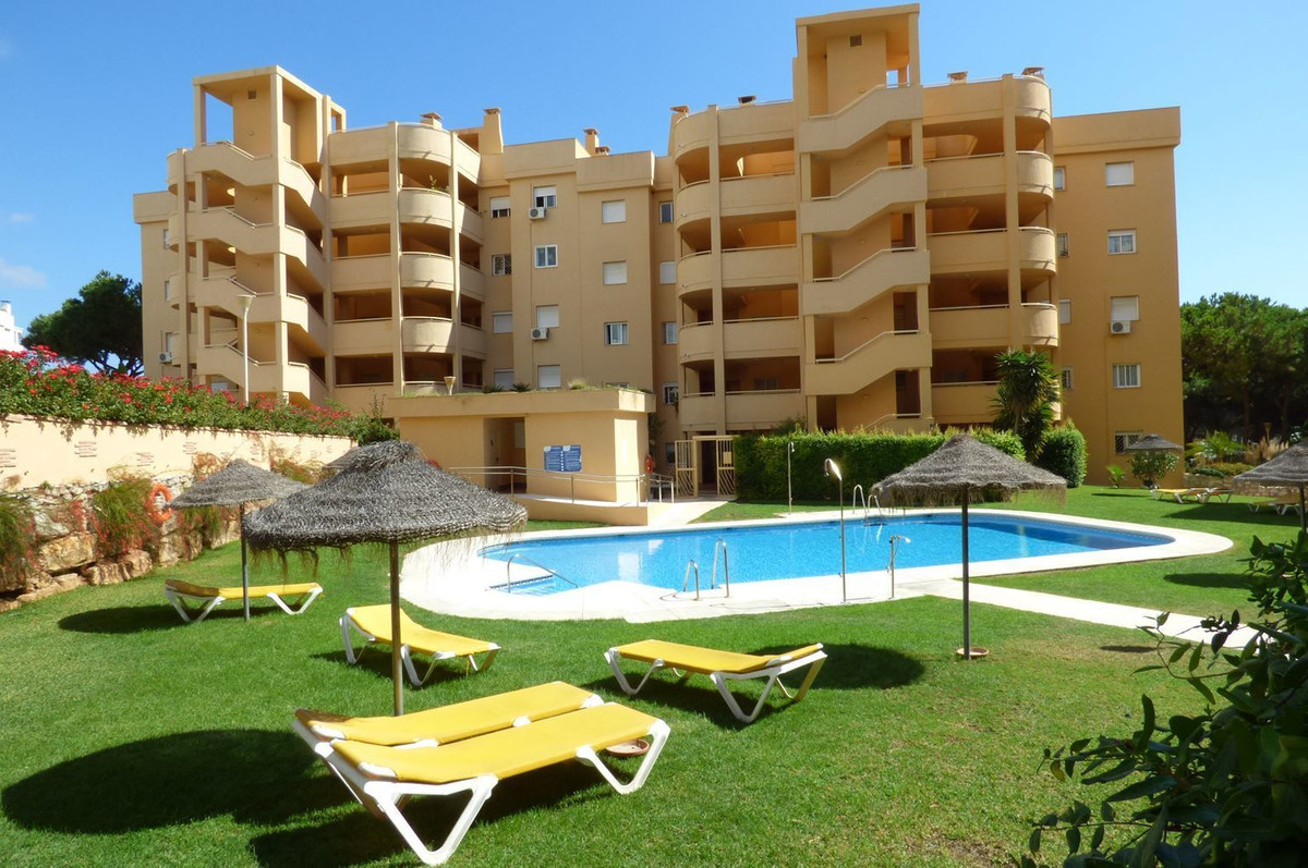 Middle Floor Apartment, Calahonda, Costa del Sol. 2 Bedrooms, 1 Bathroom, Built 51 m², Terrace 22 m², Spain