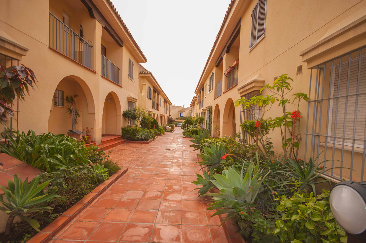 Townhouse, Puerto Banus, Costa del Sol. 4 Bedrooms, 4 Bathrooms, Built 180 m², Terrace 37 m².  Setti, Spain