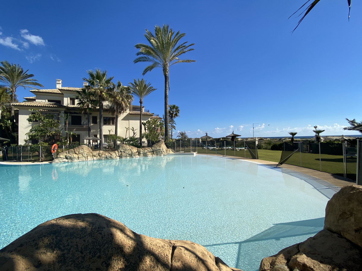 Fantastic apartment with sea views in Los Monteros Playa, one of the best front line beach urbanizat,Spain