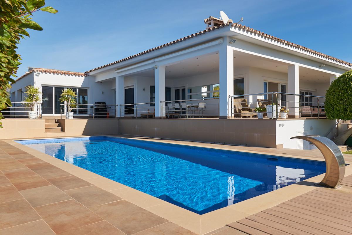 Villa  Detached for rent  in El Rosario