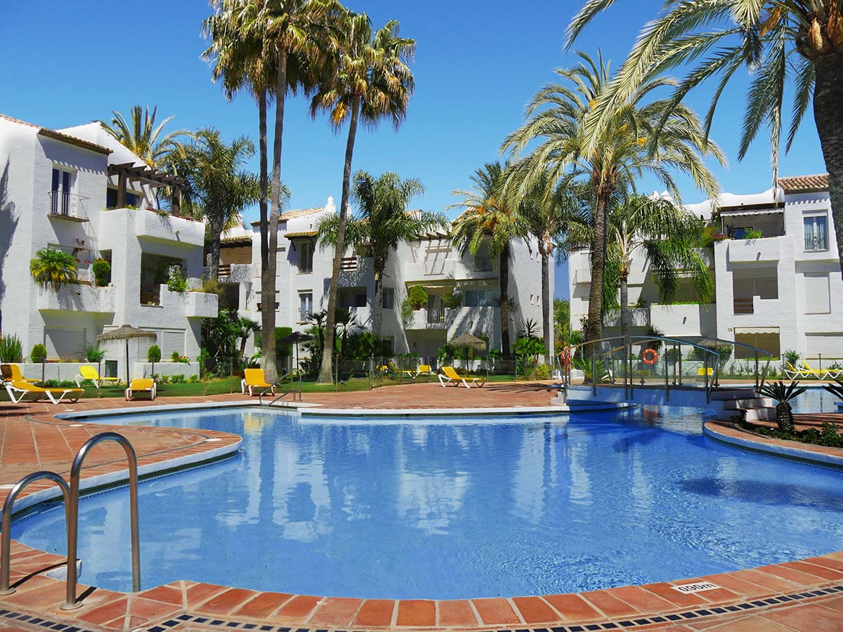 Apartamento Planta Media en Venta en Costalita – R3145054